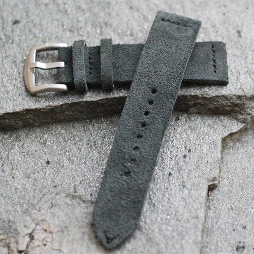 håndlaget klokkereim i semsket skinn